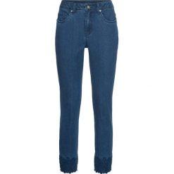 """Dżinsy z haftem bonprix niebieski """"stone"""". Niebieskie jeansy damskie bonprix. Za 89.99 zł."""