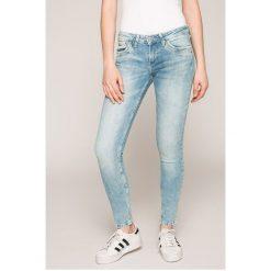 Pepe Jeans - Jeansy RIPPLE. Niebieskie jeansy damskie Pepe Jeans. W wyprzedaży za 239.90 zł.
