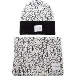 Zestaw Szalik i Czapka CALVIN KLEIN - Ck Knitted Scarf&Bea K60K604748 101. Białe czapki i kapelusze damskie Calvin Klein, z bawełny. Za 429.00 zł.