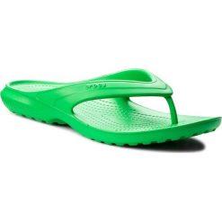 Japonki CROCS - Classic Flip 202635 Grass Green. Zielone klapki damskie Crocs, z materiału. Za 89.00 zł.