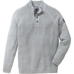 Sweter ze stójką Regular Fit bonprix jasnoszary melanż. Swetry przez głowę męskie marki Giacomo Conti. Za 79.99 zł.