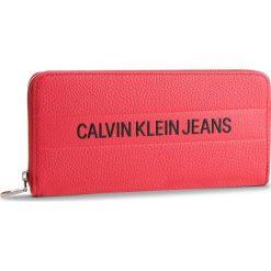 Duży Portfel Damski CALVIN KLEIN JEANS - Logo Banner Large Ziparound K40K400840 634. Czerwone portfele damskie Calvin Klein Jeans, z jeansu. Za 299.00 zł.