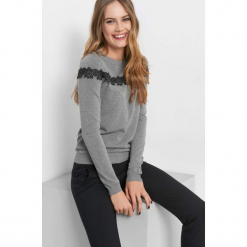 Lekki sweter z koronką. Szare swetry damskie Orsay, z dzianiny. Za 79.99 zł.