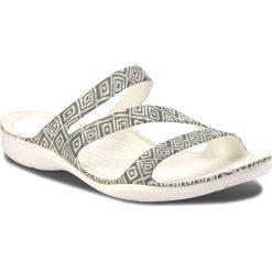 Klapki CROCS - Swiftwater Graphic Sandal W 204461 Grey Diamond/White. Szare klapki damskie Crocs, z tworzywa sztucznego. W wyprzedaży za 149.00 zł.