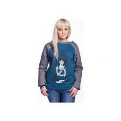 DEVI by COXIE bluza damska sea. Niebieskie bluzy damskie Slogan ubrania ekologiczne, etyczne i wegańskie, z aplikacjami, z bawełny. Za 199.00 zł.