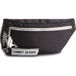 Saszetka nerka TOMMY JEANS - Tju Logo Tape Bumbag AU0AU00389 002. Czarne saszetki męskie Tommy Jeans, z jeansu, młodzieżowe. Za 349.00 zł.