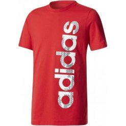 Adidas Koszulka Linear Scarlet 116. Czerwone t-shirty dla chłopców Adidas. W wyprzedaży za 42.00 zł.