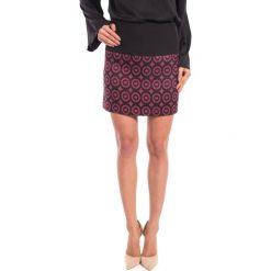 Spódnica mini we wzory BIALCON. Fioletowe spódnice damskie BIALCON. W wyprzedaży za 65.00 zł.
