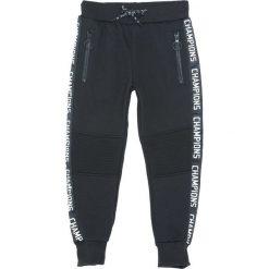 Czarne Spodnie Dresowe State Champion. Czarne spodnie sportowe dla chłopców Born2be, z dresówki. Za 59.99 zł.