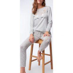 Etam - Bluzka piżamowa Obepine. Szare koszule nocne damskie Etam, z nadrukiem, z bawełny. Za 89.90 zł.