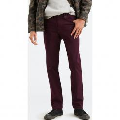 """Dżinsy """"511®"""" - Slim fit - w kolorze czerwonym. Czerwone jeansy męskie Levi's. W wyprzedaży za 173.95 zł."""