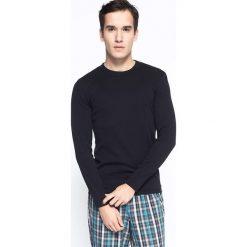 Henderson - Longsleeve. Czarne bluzki z długim rękawem męskie Henderson, z bawełny, z okrągłym kołnierzem. Za 39.90 zł.