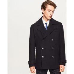 Krótki płaszcz z wełną - Granatowy. Niebieskie płaszcze męskie Reserved, z wełny. Za 279.99 zł.