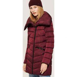 Pikowany płaszcz - Bordowy. Czerwone płaszcze damskie House. Za 159.99 zł.