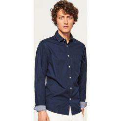 Koszula regular fit - Granatowy. Niebieskie koszule męskie Reserved. Za 89.99 zł.