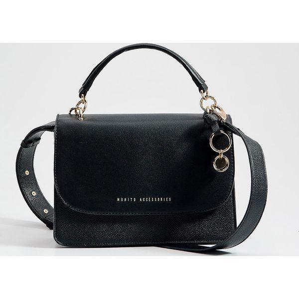 Torebka kuferek z brelokiem Czarny Czarne torebki do