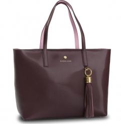 Torebka GUESS - HWGROU L9123 BUR. Czerwone torebki do ręki damskie Guess, z aplikacjami, ze skóry ekologicznej. Za 1,029.00 zł.