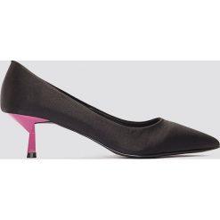 NA-KD Shoes Satynowe czółenka na niskim obcasie - Black,Multicolor. Czółenka damskie marki bonprix. W wyprzedaży za 48.58 zł.