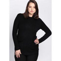 Czarny Sweter Regularity. Czarne swetry damskie Born2be, na jesień. Za 79.99 zł.