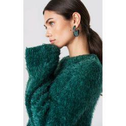 NA-KD Puchaty sweter z szerokim rękawem - Green. Zielone swetry damskie NA-KD, z materiału, z okrągłym kołnierzem. Za 141.95 zł.