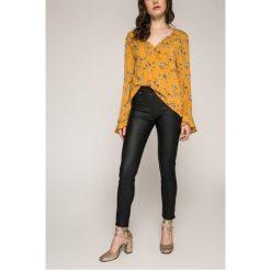 Answear - Spodnie. Szare spodnie materiałowe damskie ANSWEAR, z elastanu. W wyprzedaży za 99.90 zł.