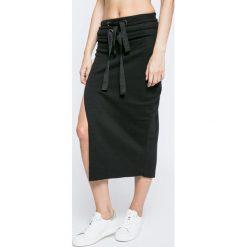 Missguided - Spódnica By Jordan Dunn. Szare spódnice damskie Missguided, z bawełny. W wyprzedaży za 79.90 zł.