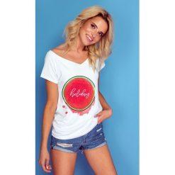 Bluzka t-shirt holiday k141. Białe t-shirty damskie Knitis, z dzianiny, z klasycznym kołnierzykiem. W wyprzedaży za 44.00 zł.