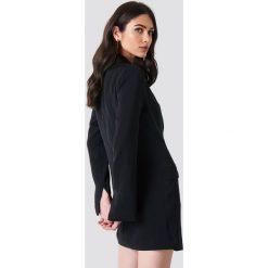 NA-KD Classic Asymetryczna sukienka o kroju marynarki - Black. Czarne żakiety damskie NA-KD Classic, z poliesteru. Za 242.95 zł.