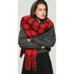 Szal w kratę - Czerwony. Czerwone szaliki i chusty damskie Sinsay. Za 49.99 zł.