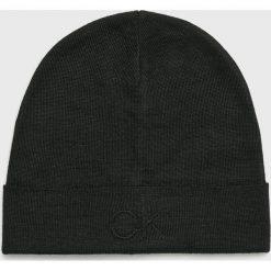 Calvin Klein - Czapka. Czarne czapki i kapelusze męskie Calvin Klein. Za 159.90 zł.