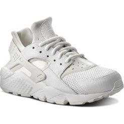 Buty NIKE - Air Huarache Run Se 859429 101 Summit White/Summit White. Białe obuwie sportowe damskie Nike, z materiału. W wyprzedaży za 399.00 zł.