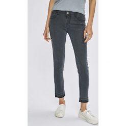 Answear - Jeansy. Szare jeansy damskie ANSWEAR. W wyprzedaży za 69.90 zł.