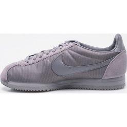 Nike Sportswear - Buty Classic Cortez Nylon. Szare buty sportowe męskie Nike Sportswear, z materiału. W wyprzedaży za 299.90 zł.