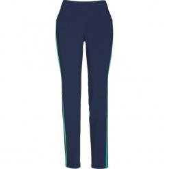 Spodnie z ozdobnym paskiem bonprix ciemnoniebiesko-szmaragdowy. Spodnie materiałowe damskie marki DOMYOS. Za 129.99 zł.