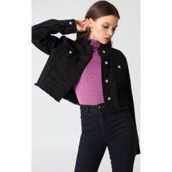 NA-KD Trend Krótka kurtka jeansowa - Black. Czarne kurtki damskie NA-KD Trend, z denimu. Za 202.95 zł.