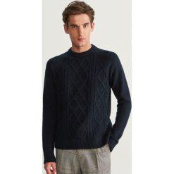 Sweter z raglanowym rękawem - Granatowy. Niebieskie swetry przez głowę męskie Reserved. Za 99.99 zł.