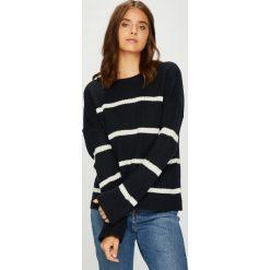 Vero Moda - Sweter Jasmin. Czarne swetry damskie Vero Moda, z dzianiny, z okrągłym kołnierzem. Za 119.90 zł.