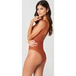 J&K Swim X NA-KD Jednoczęściowy kostium kąpielowy - Brown,Copper. Brązowe kostiumy jednoczęściowe damskie J&K Swim X NA-KD. Za 133.95 zł.
