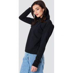 NA-KD Bluza z kapturem z kopertowym tyłem - Black. Czarne bluzy damskie NA-KD. Za 121.95 zł.