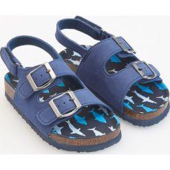 Sandały z klamerkami - Granatowy. Sandały chłopięce Reserved. Za 59.99 zł.