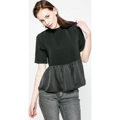 Vero Moda - Top Bardot. Czarne topy damskie Vero Moda, z elastanu, z okrągłym kołnierzem, z krótkim rękawem. W wyprzedaży za 59.90 zł.