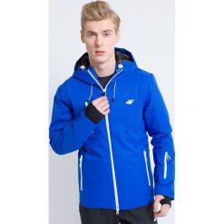 Kurtka narciarska męska KUMN163 - niebieski ciemny. Niebieskie kurtki męskie 4f, na jesień, z nadrukiem, z materiału. W wyprzedaży za 1,049.99 zł.