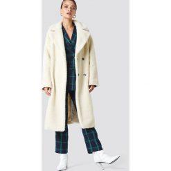 NA-KD Trend Płaszcz z dużym kołnierzem Teddy - Offwhite. Szare płaszcze damskie NA-KD Trend, z dzianiny. Za 323.95 zł.