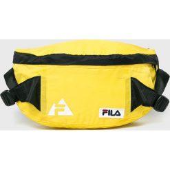 Fila - Nerka. Żółte walizki damskie Fila, w paski, z materiału. W wyprzedaży za 69.90 zł.