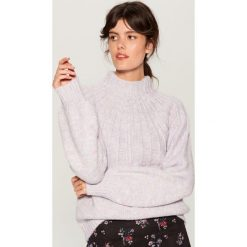Sweter z domieszką wełny - Fioletowy. Fioletowe swetry damskie Mohito, z wełny. Za 159.99 zł.