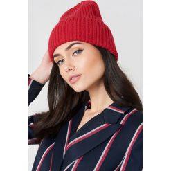 Just Female Czapka Pan - Red. Czerwone czapki i kapelusze damskie JUST FEMALE, z dzianiny. W wyprzedaży za 85.37 zł.
