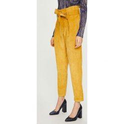 Answear - Spodnie. Szare spodnie materiałowe damskie ANSWEAR, z elastanu. Za 129.90 zł.
