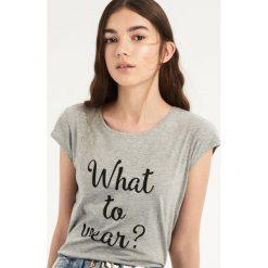 T-shirt What to wear - Jasny szar. Szare t-shirty damskie Sinsay. Za 9.99 zł.