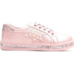Różowe Buty Sportowe Uncouple. Czerwone buty sportowe dziewczęce Born2be, z materiału. Za 49.99 zł.