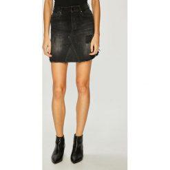 Guess Jeans - Spódnica. Szare spódnice damskie Guess Jeans, z aplikacjami, z bawełny. W wyprzedaży za 369.90 zł.
